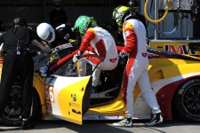 Daniel's JMW Motorsport team-mates demonstrate the art of the rapid driver changeover
